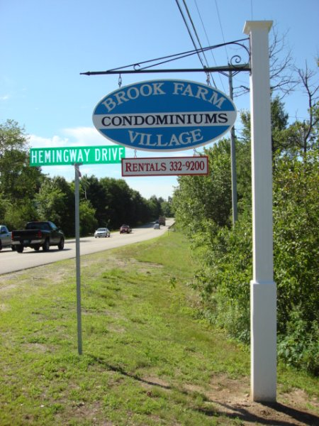 Welcome to Brook Farm Village Compxex