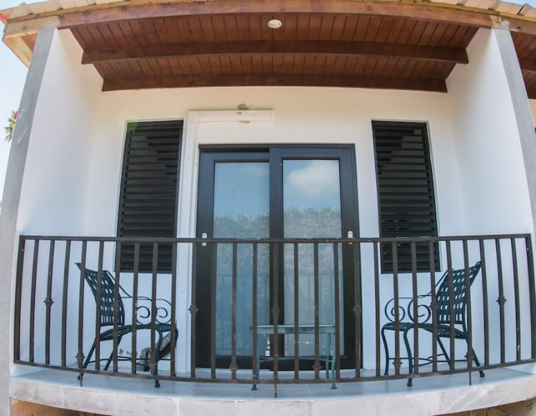 Casa Campo Bed and Breakfast 2, holiday rental in Quebradillas