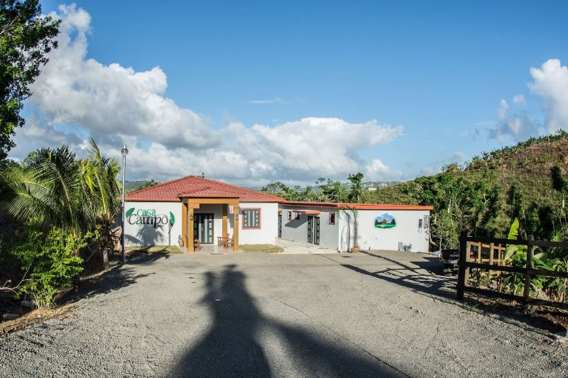 Casa Campo Bed and Breakfast 3, holiday rental in Quebradillas