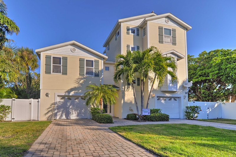 This luxury home boasts 3 bedrooms and 2.5 bathrooms to accommodate up to 8 guests.