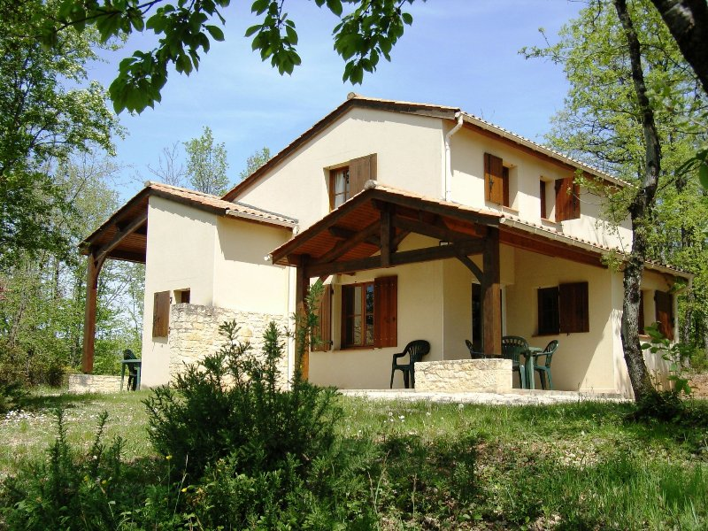 Villa 6/8 pers. #2 in **** Dordogne Holiday Resort, holiday rental in Monflanquin