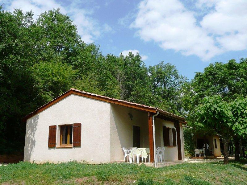 House 5/7 pers. #2 in **** Dordogne Holiday Resort, aluguéis de temporada em Biron