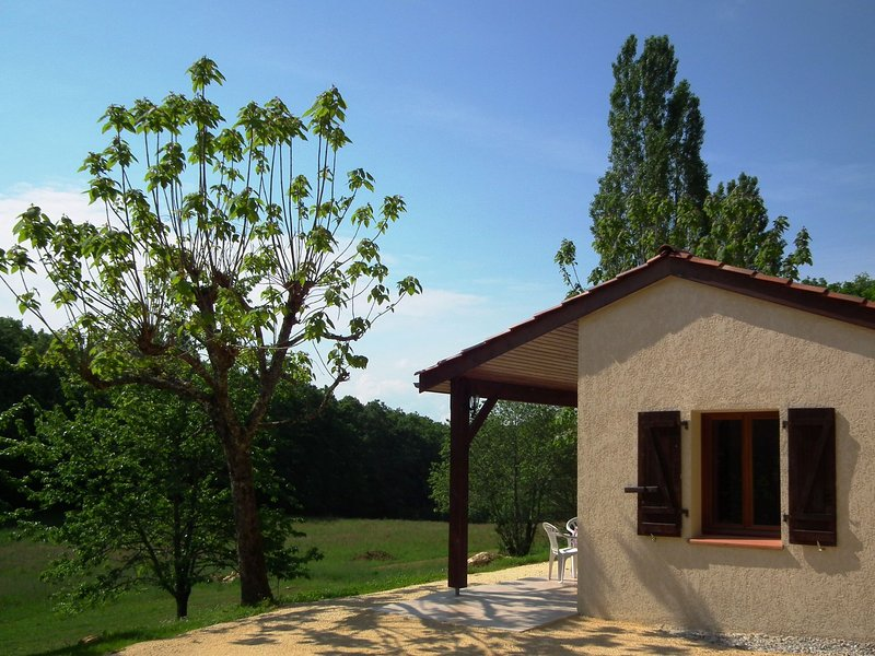 House 2/4 pers. #1 in **** Dordogne Holiday Resort, holiday rental in Lacapelle-Biron