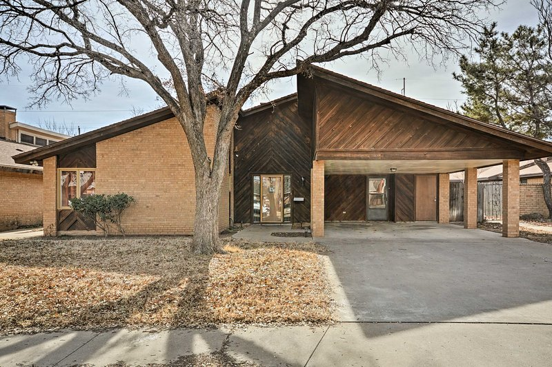 Escape to the exciting Lubbock, Texas at this 2-bed, 2-bath vacation rental!