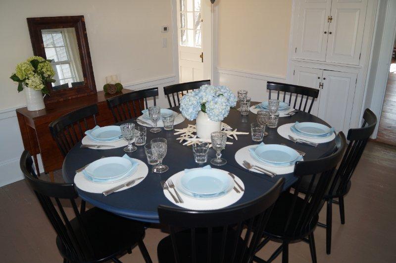 Kom och samla och njut av en familjemiddag -117 Old Wharf Road Chatham Cape Cod - New England Vacation Rentals