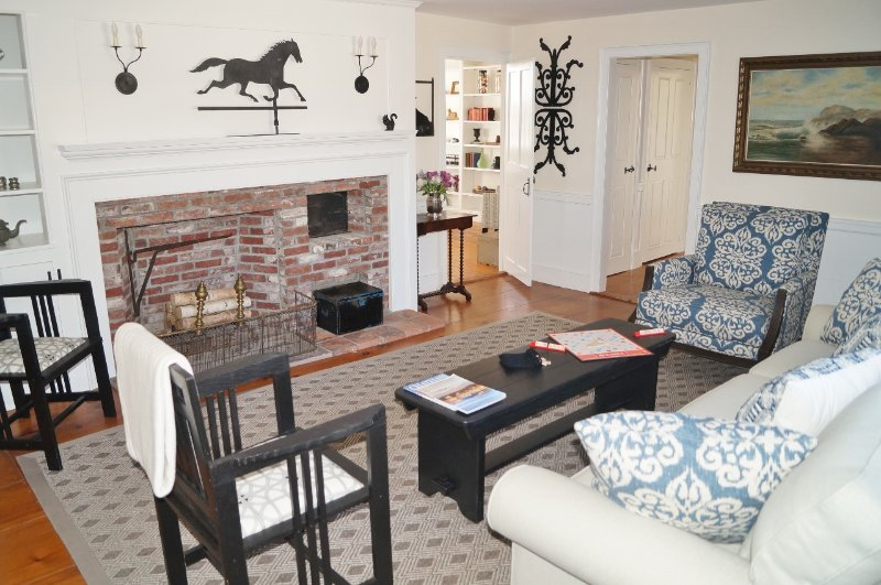 en annan syn på vardagsrummet - 117 Old Wharf Road Chatham Cape Cod - New England Vacation Rentals