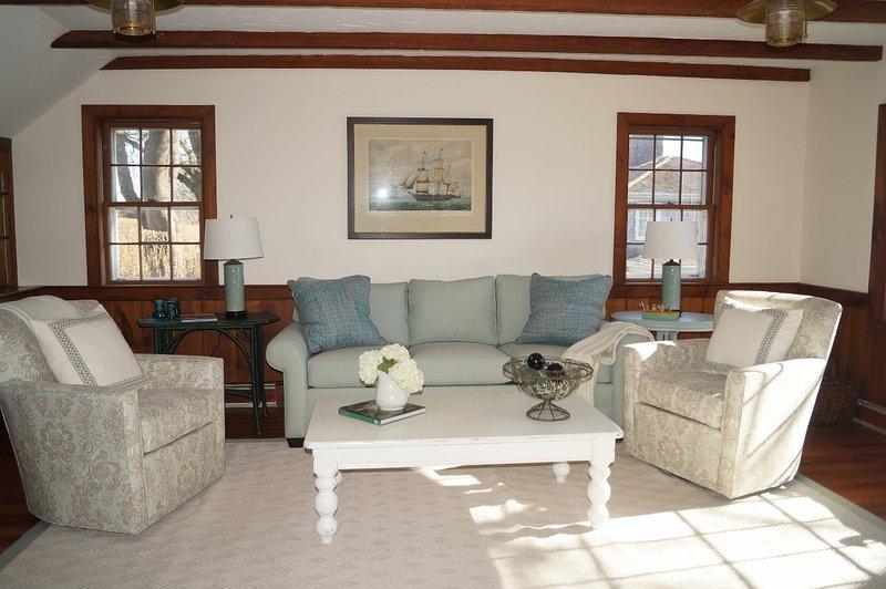 Familjerum erbjuder bekväma sittplatser - 117 Old Wharf Road Chatham Cape Cod - New England Vacation Rentals
