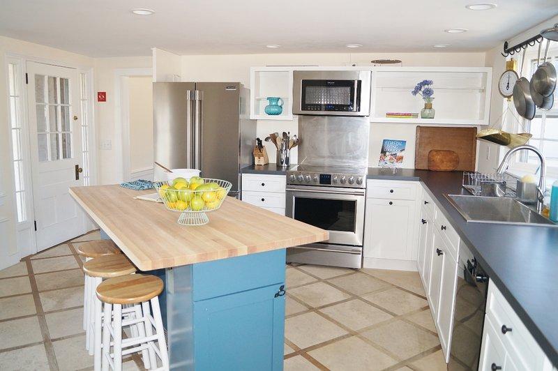 Kockens kök. Fullt utrustat med diskmaskin - 117 Old Wharf Road Chatham Cape Cod - New England Vacation Rentals