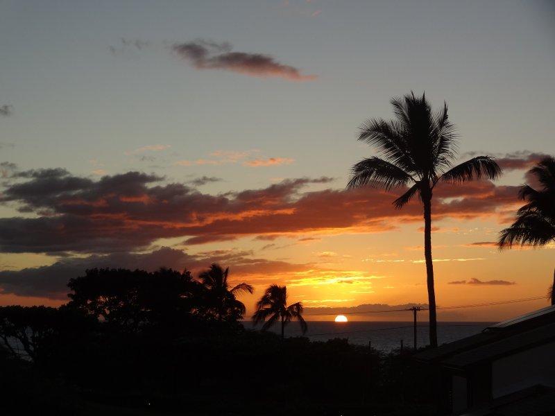 Hale Kamaole sunset at Kam III
