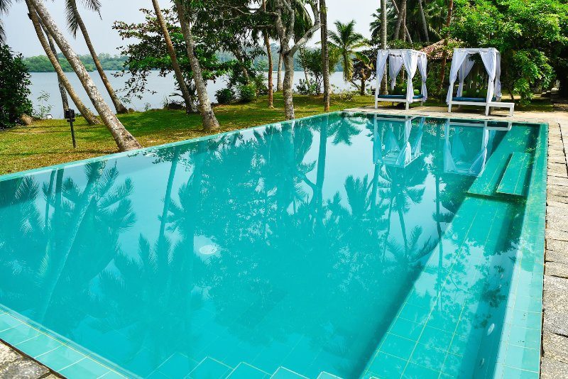 piscina privada grande