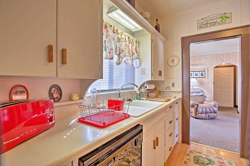Entra en la cocina totalmente equipada para avivar algunas recetas favoritas.