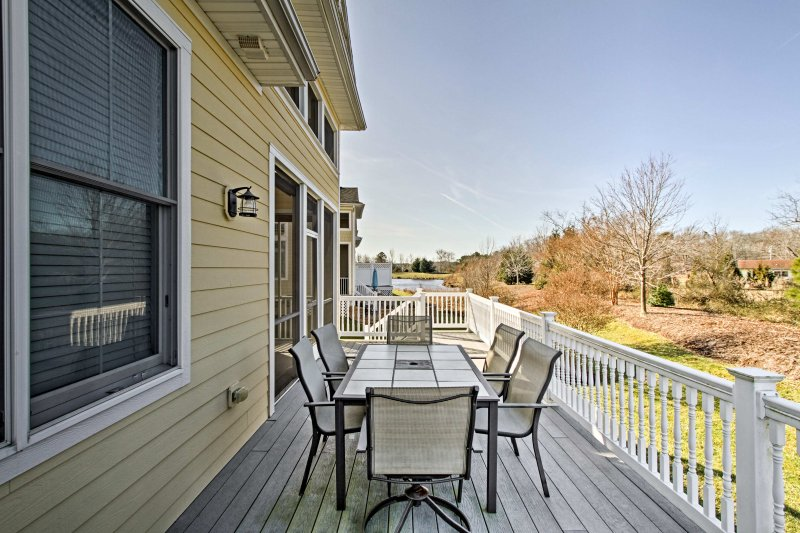 Plan your next east coast escape to this lovely 3-bedroom, 3-bathroom vacation rental townhome.