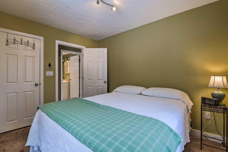 No importa que la habitación que llame a su santuario, se le deriva el derecho a dormir.