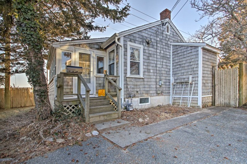 'Dunrovin Family Retreat' Buzzards Bay Home w/View, location de vacances à Buzzards Bay