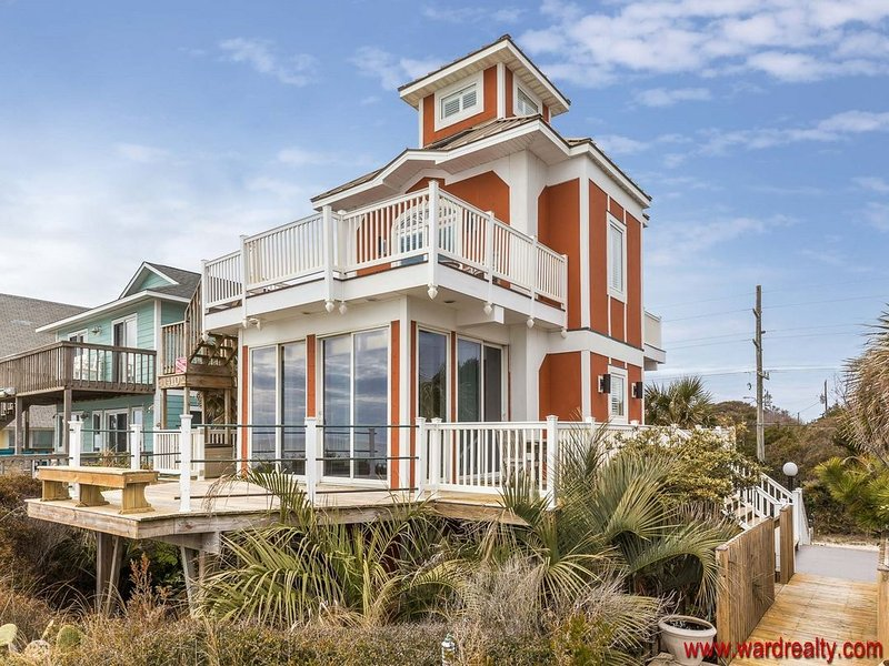 OCEANFRONT!  Historic Missal Tower - 3 BR / 2.5 BATH - Tower Four, holiday rental in Surf City