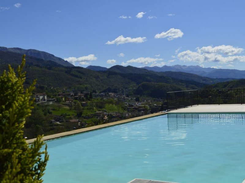 Nicciano, luxury property, private heated pool, WIFI, walk to restaurant, Ferienwohnung in Sillano