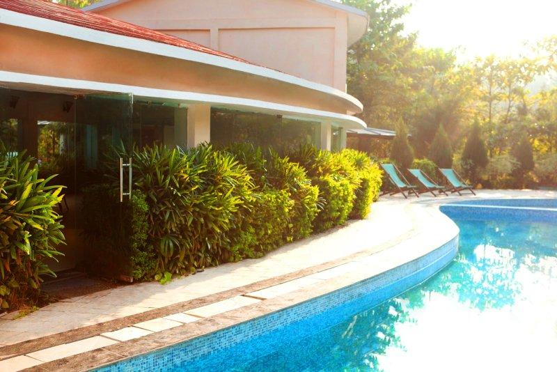 Resort Next to jungle, holiday rental in Teda