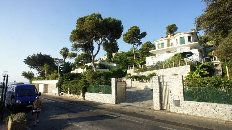 Seafront Villa Monaco - Cap Martin, vacation rental in Monte-Carlo