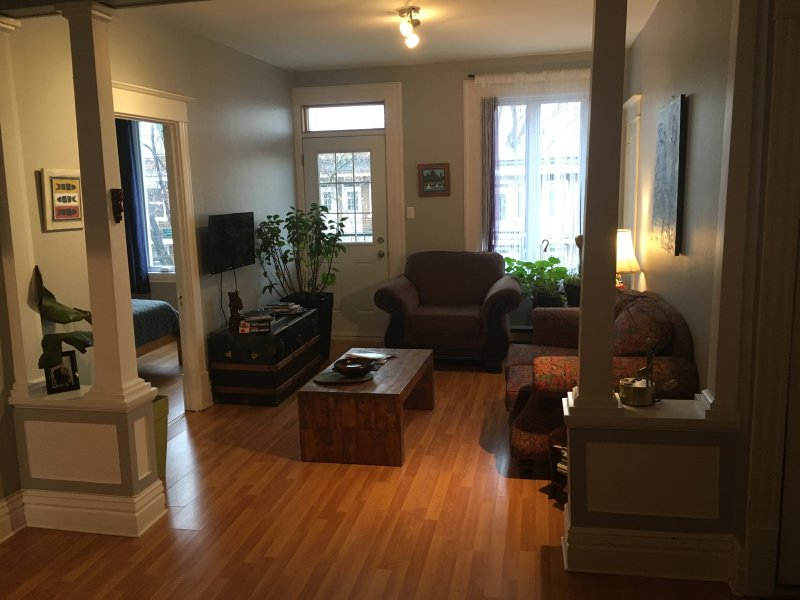 GRAND APPARTEMENT QUEBEC CENTRE-VILLE AVEC PARKING, holiday rental in Lac-Beauport