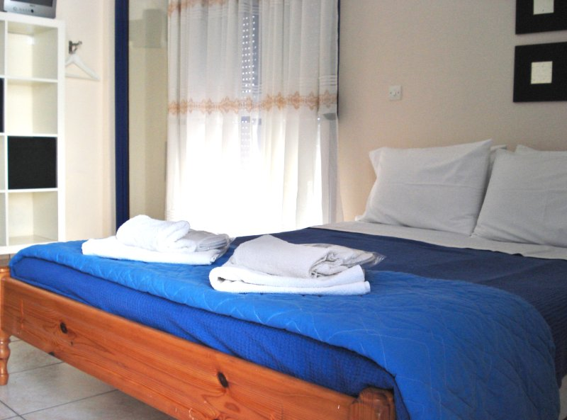 Omega Rooms, holiday rental in Vafios