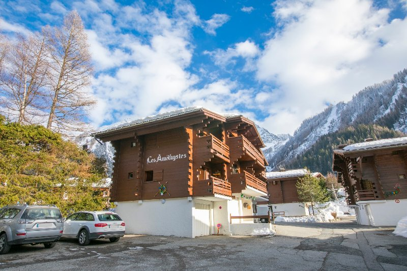 Argentiere accommodation chalets for rent in Argentiere apartments to rent in Argentiere holiday homes to rent in Argentiere
