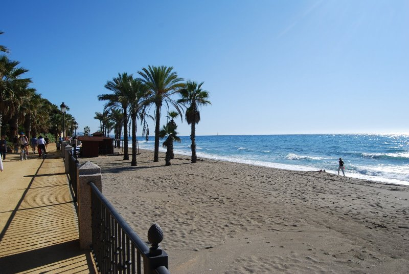 10 minuti di auto dal Ojen inizia un tratto di belle spiagge.