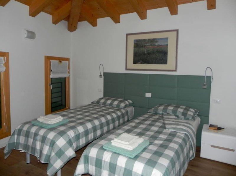 da Meri - CAMERA nr. 2 tra le colline del Prosecco DOCG locazione turistica, vacation rental in Segusino