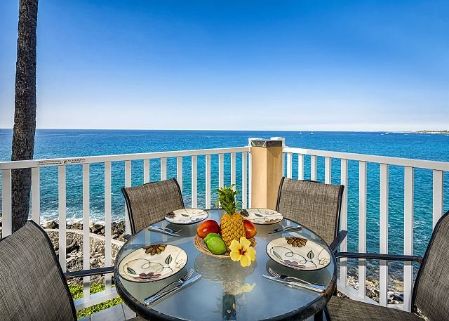 Sea Village 3317 - 1 bedroom, DIRECT OCEANFRONT, Top Floor, BREATHTAKING VIEW, location de vacances à Kailua-Kona