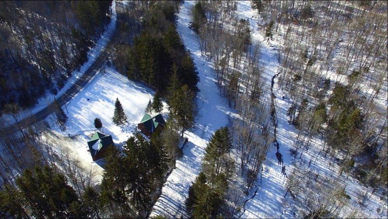 Nur ein paar Schritte zum Great Eastern Trail mit Beschneiung, einem der besten Ski-In / Out-Orte am Berg