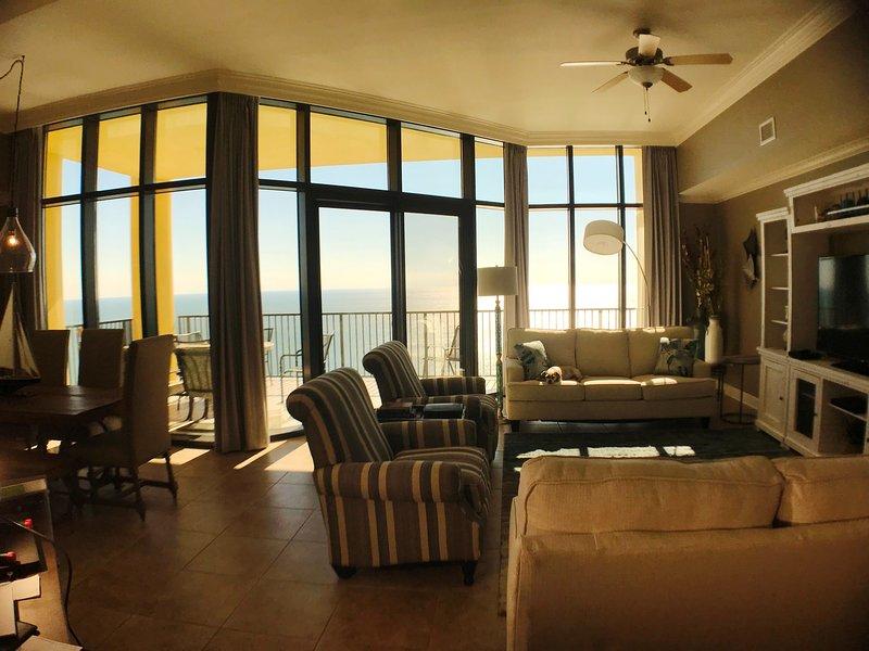 Direct Ocean View avec onze pieds de fenêtres haute
