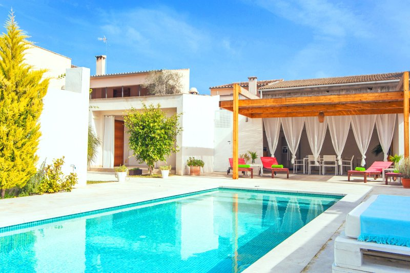 CA NA MOLINERA - Villa for 6 people in Sant Joan, alquiler de vacaciones en Sant Joan