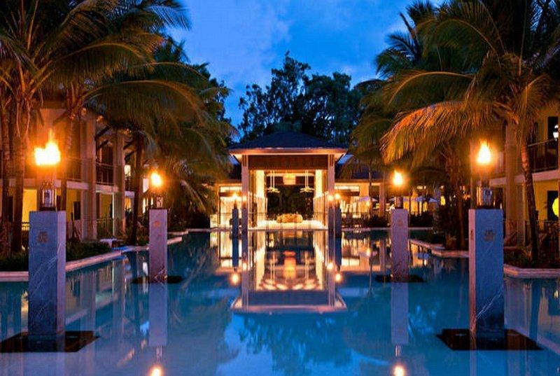 Sea Temple 2 Bedroom Lagoon Swimout Apartment, casa vacanza a Oak Beach