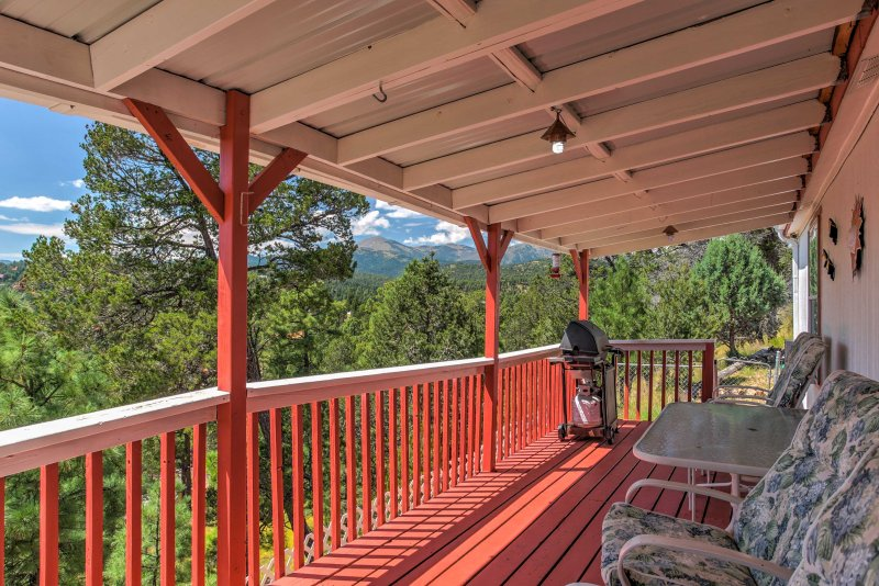 Experience Ruidoso from this charming 2-bedroom, 2-bath vacation rental house!