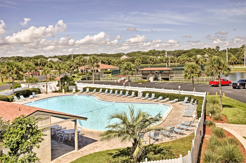 Make the most of your next Florida getaway when you stay at this 2-bedroom, 2-bathroom vacation rental condo in St. Augustine.