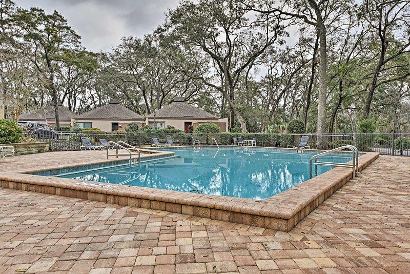 La villa cuenta con acceso a 2 piscinas comunitarias y a la playa.