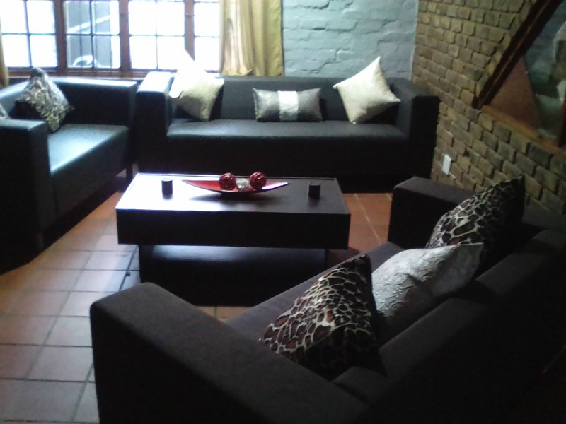 Short term accommodation Midrand, Alsatian House, vacation rental in Midrand