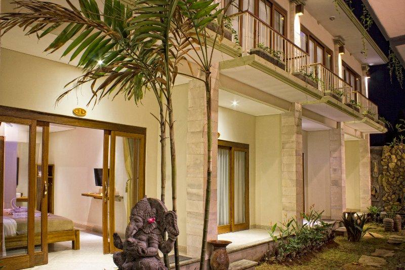 Ubud, Private Room, Breakfast, Wifi, AC, Walk to Yoga Centre, location de vacances à Mas