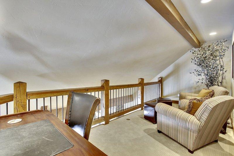 Upper loft area off of master suite