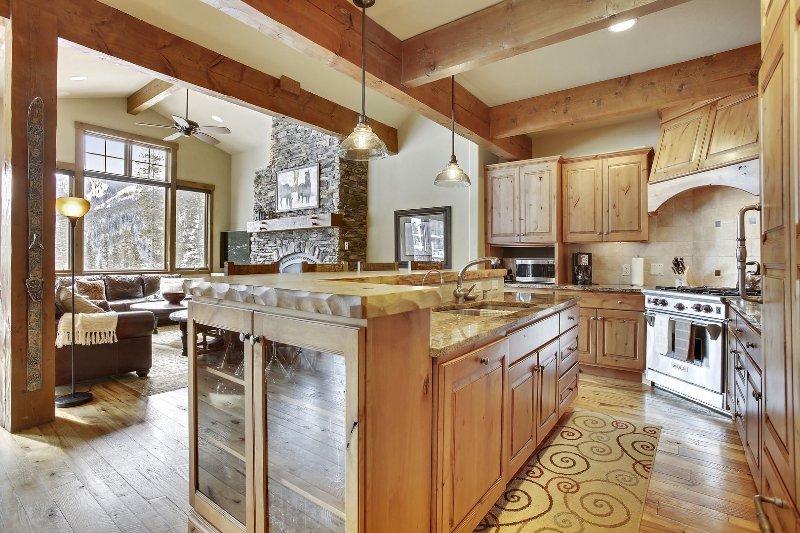 Fantastic open kitchen area