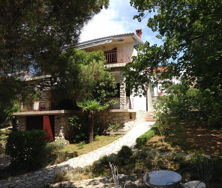 Three bedroom apartment Omišalj, Krk (A-5298-a), holiday rental in Omisalj