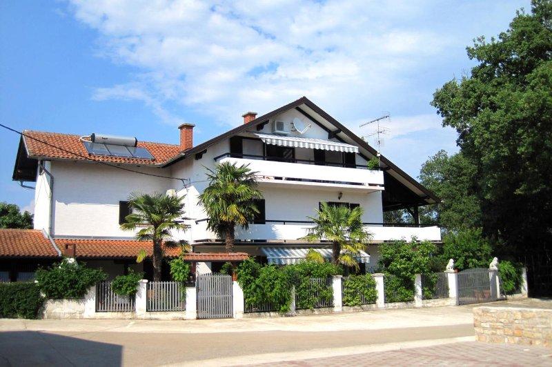 Buzinija Apartment Sleeps 4 with Pool and Air Con - 5460815, holiday rental in Fiorini