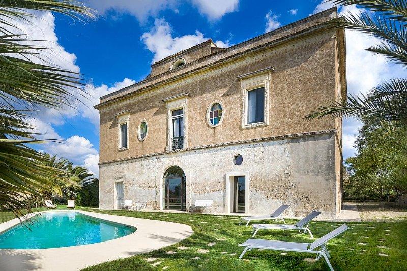Villa Atlante, location de vacances à Collepasso