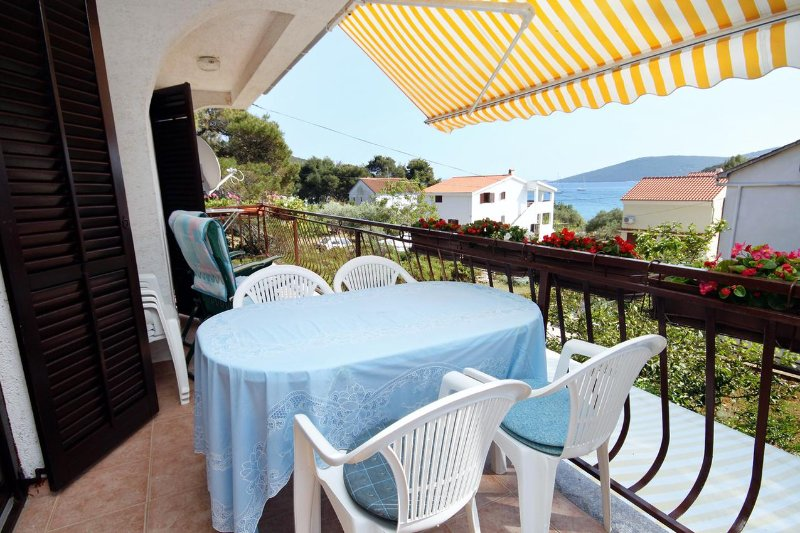 Brgulje Apartment Sleeps 5 with Air Con - 5465584, casa vacanza a Silba