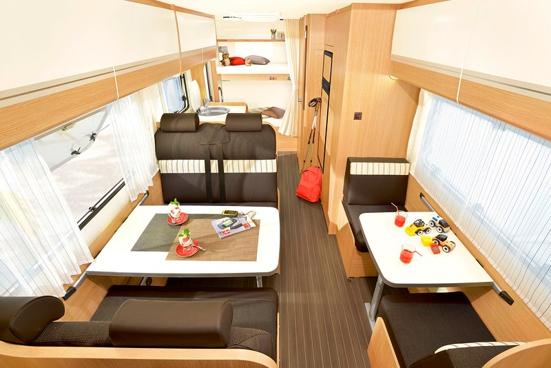High-end motorhome with all equipment included. We are very close to the airport