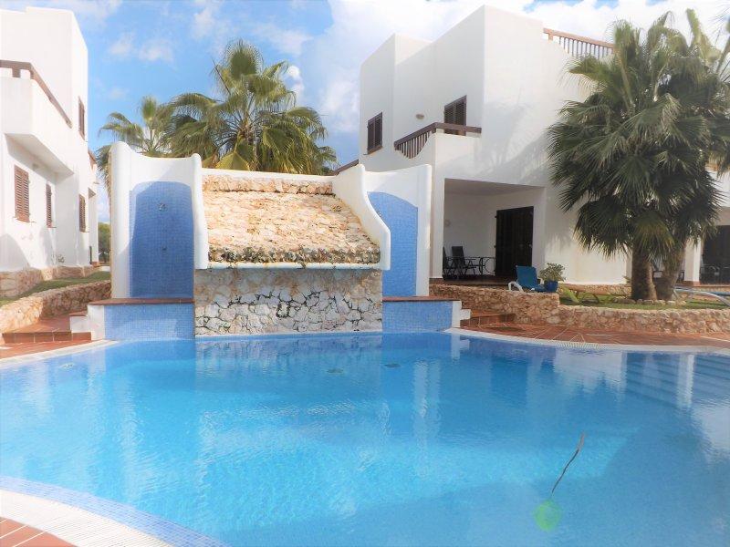 Marina d'Or IV, La perla de Cala d'Or, a 300m de las playas y centro comercial, holiday rental in Cala Mondrago