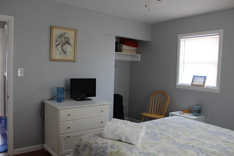 queen bedroom (3) At a different angle (2016)