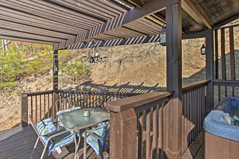Find patio furniture outside to enjoy a meal al fresco!