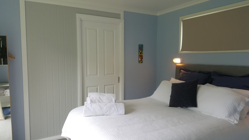 Apple Tree bed and En suite