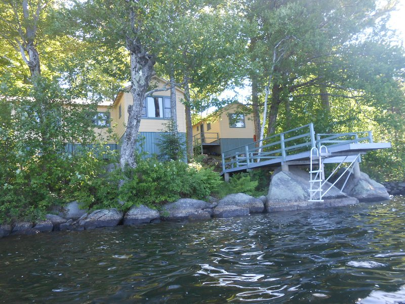 Sunapee area - lakeside cottage trio on Sand Pond, alquiler de vacaciones en Harrisville