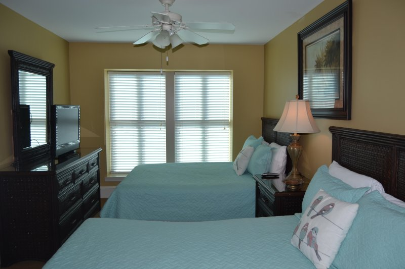Guest bedroom, two queens, private bath